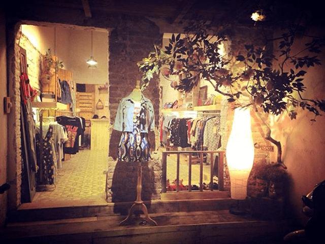 Cách trang trí shop thời trang bằng đèn LED cực ấn tượng - Ảnh 2
