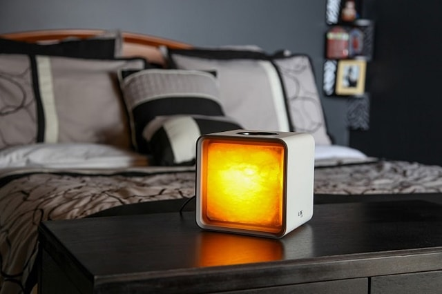 Tin công nghệ: Đèn LED phát sáng bằng nước muối - Ảnh 2