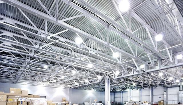 Cách vệ sinh đèn LED nhà xưởng đúng cách - Ảnh 2