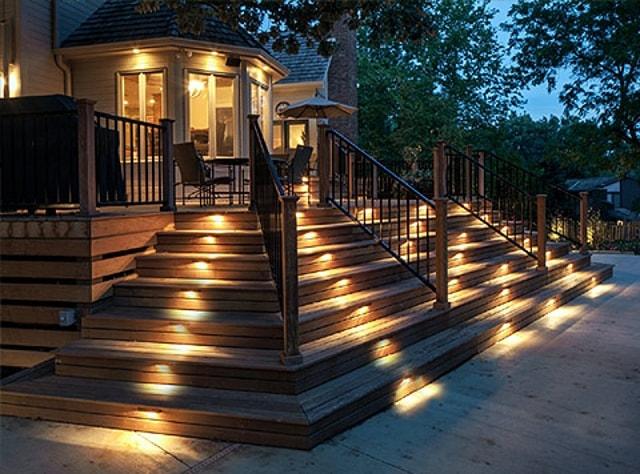 Chiếu sáng cầu thang đẹp lung linh với đèn âm đất - Ảnh 3