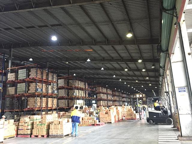 Có nên lựa chọn đèn LED cho chiếu sáng nhà xưởng?