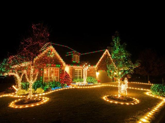 Những ý tưởng chiếu sáng ngoài trời tuyệt đẹp trong đêm giáng sinh - Ảnh 13